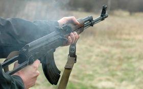 З розбитих бліндажів виймали: комбат розповів, де добровольці в АТО беруть зброю