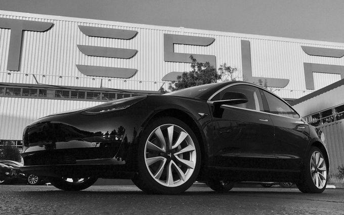 Tesla отзывает более тысячи авто из-за коррозии болтов
