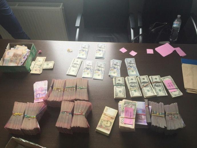 У Києві оператор забезпечував зв'язок бойовикам ЛНР: опубліковані фото (1)