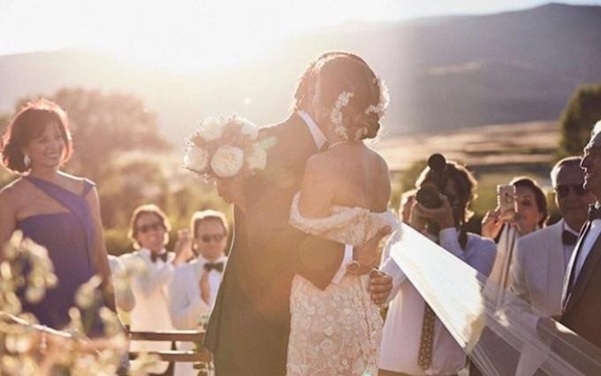 Як виглядає ідеальне плаття нареченої: весільні фото спадкоємиці Pronovias