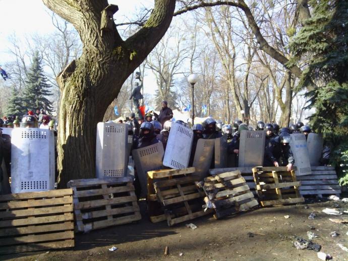 В сети вспомнили переломный момент Евромайдана: опубликованы фото (1)