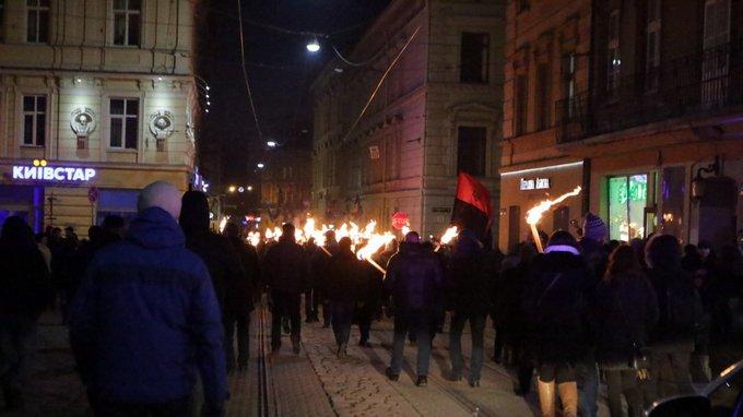 День рождения Бандеры отметили по всей Украине: появились фото и видео (5)