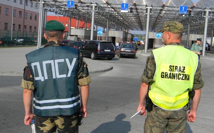 Польща зняла обмеження на кордоні з Україною
