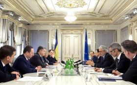 Порошенко рассказал, чем надо ответить на громкий указ Путина: появилось видео