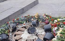 Пошкодження Вічного вогню в Києві: з'явилося відео з місця і дані про розслідування