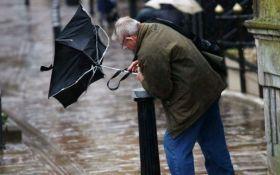 Рятувальники оголосили штормове попередження по Україні