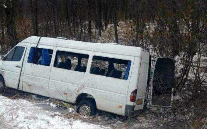 ВЧерниговской области перевернулся автобус слюдьми