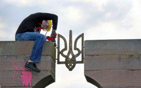 В Польше разобрали памятник воинам УПА: опубликованы фото