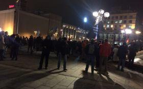 На Майдані почалися сутички з поліцією: з'явилися подробиці і фото