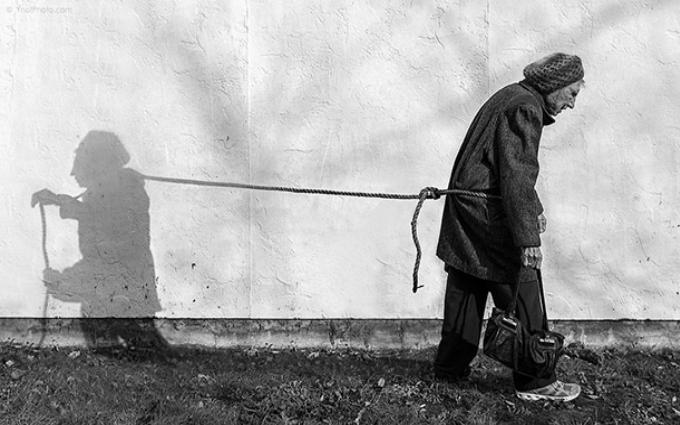 Сын снимает 93-летнюю мать, чтобы она чувствовала себя молодой: впечатляющие фото