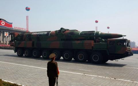 Пхеньян на параді похвалився міжконтинентальними ракетами (1)
