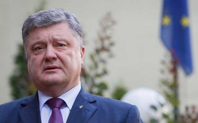 Порошенко поручил правительству привлечь больше лоукостов в Украину и разобраться с ввозом авто на еврономерах