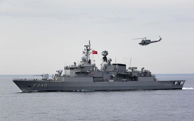 Провальний переворот у Туреччині: військовів заколотники захопили корабель