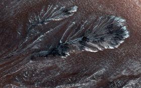 На Марсе по ночам могут быть снегопады