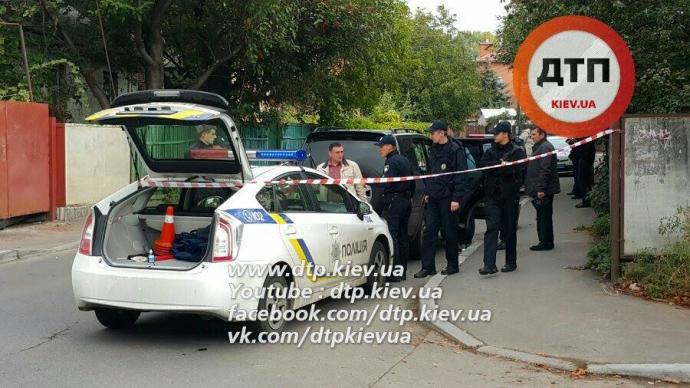 У Києві порушник правил побив поліцейського: опубліковані фото (1)