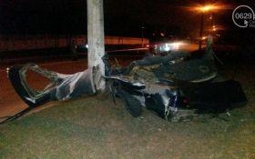 В Мариуполе военные попали в смертельное ДТП: фото с места аварии