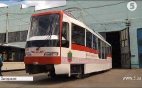 У Запоріжжі комунальники власноруч розробили та зібрали трамвай