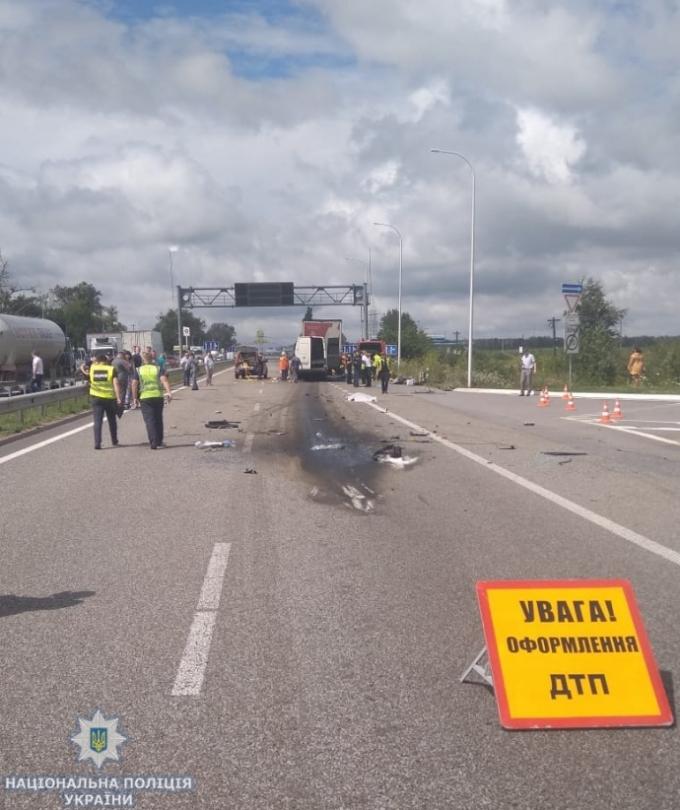 Моторошна ДТП в Житомирській області - десятки загиблих і травмованих (1)