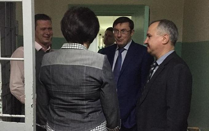 Після гучної заяви ООН Луценко нагрянув до СБУ: з'явилося фото