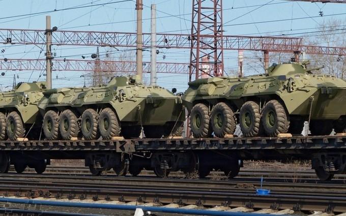 Разведка узнала о новом вторжении российских военных и техники в Украину