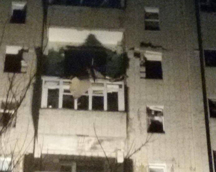В Сумах произошел мощный взрыв в жилом доме: появились фото, видео и подробности (11)