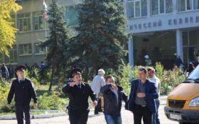 Масове вбивство в Керчі: опубліковані шокуючі відео з місця трагедії (18+)