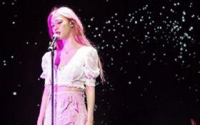 Всемирно известная 25-летняя певица совершила самоубийство