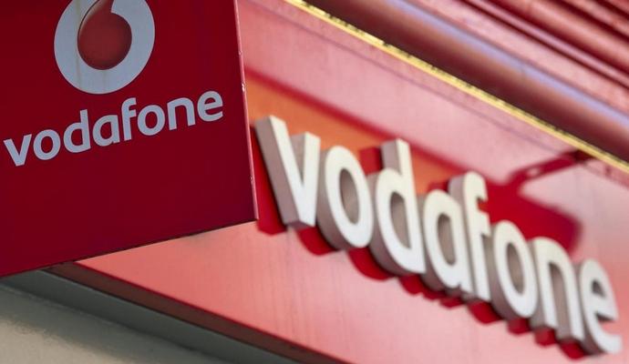 Инфографика потребления трафика и совершения звонков от Vodafone Украина