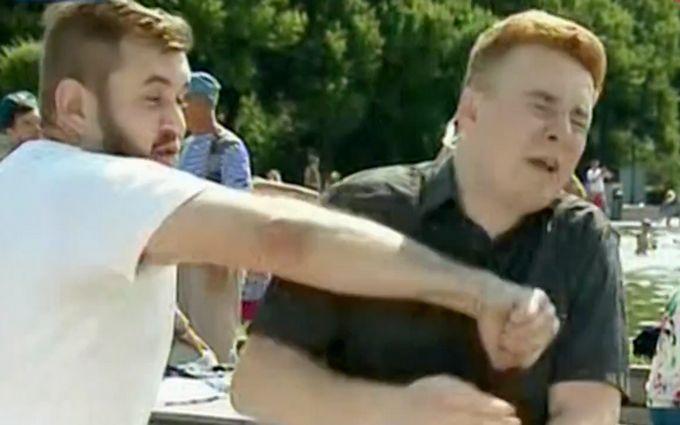 """Як відзначають день ВДВ у Москві: """"Україну захопимо"""" і напад на журналіста"""