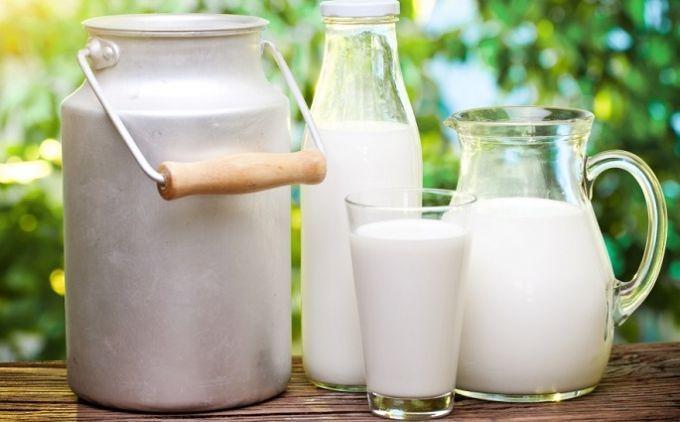 Минагрополитики откладывает запрет на закупку молока у населения