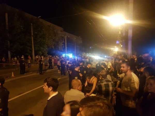 У Харкові сталася страшна ДТП зі спробою самосуду: опубліковані фото (1)