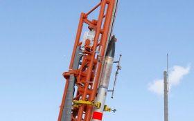 Японія успішно запустила в космос найменшу ракету в світі: опубліковано відео