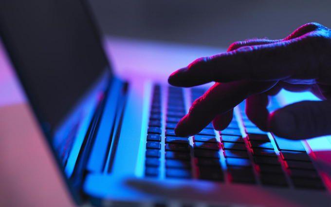 NYT: ВУкраїні знаходиться свідок ФБР усправі про кібератаки наСША