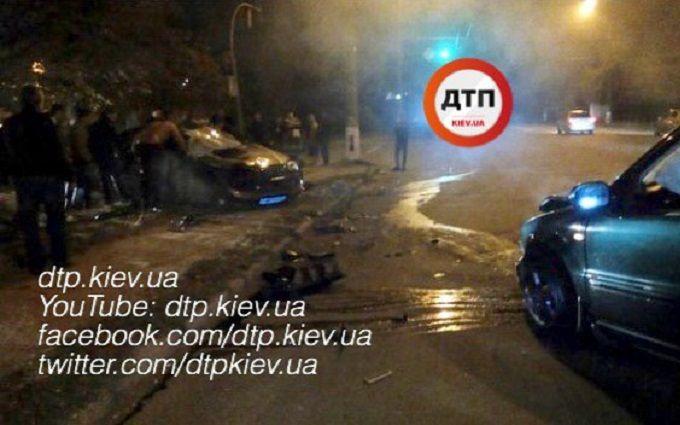 Під Києвом сталася смертельна ДТП з поліцейськими: опубліковані фото