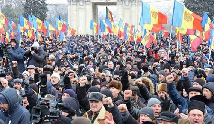 Премьер Молдовы не будет идти в отставку, несмотря на протесты