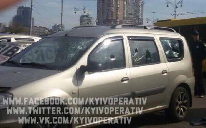У Києві біля залізничного вокзалу відкрили стрілянину: опубліковані фото