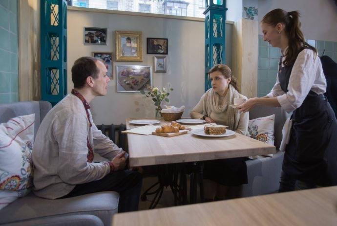 Жена Порошенко сходила на кофе с больным ДЦП переселенцем: опубликованы фото (1)