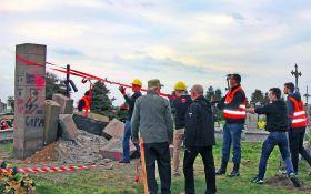 У Польщі з уламків пам'ятника УПА побудували дорогу