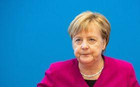 Літак з Ангелою Меркель здійснив вимушену посадку: що сталося