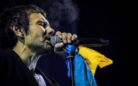 Известный певец жестко прошелся по украинским политикам