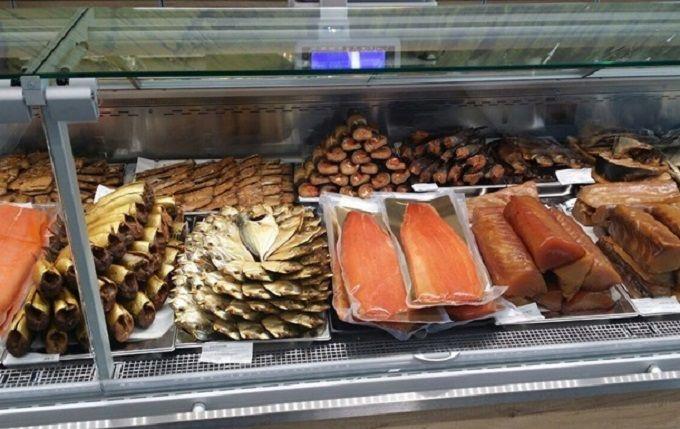 В Киеве люди отравились рыбой из супермаркетов: есть погибший