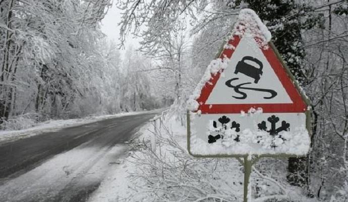Синоптики прогнозують сильні снігопади по всій Україні