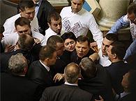 Драка в Раде: Гройсман попросил депутатов держать руки при себе