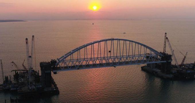Окупанти розсекретили важливі моменти будівництва Керченського мосту: опубліковані фото і відео