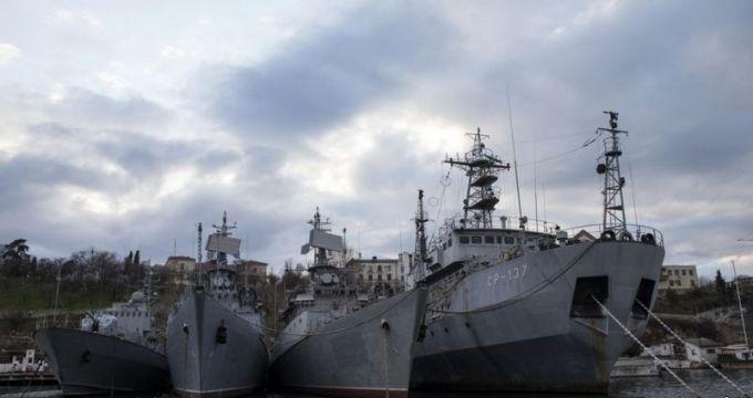 Куча металлолома: в сети показали, во что превратили оккупанты украинские корабли в Крыму