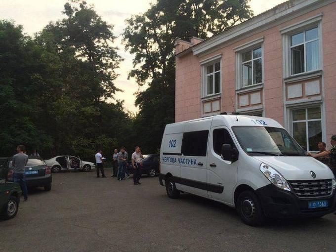 У Києві людину вбили прямо в пологовому будинку: з'явилися фото і подробиці (1)