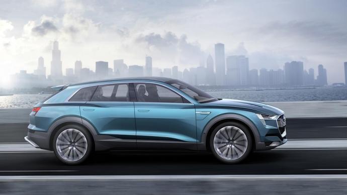 Audi в 2018 году начнет производство электрического кроссовера (6 фото)