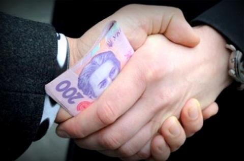 Опитування: українці продовжують давати хабарі