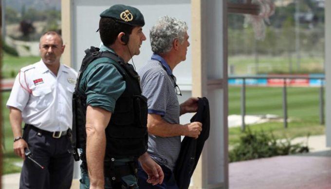 Президента Испанской федерации футбола Вильяра выпустили под залог