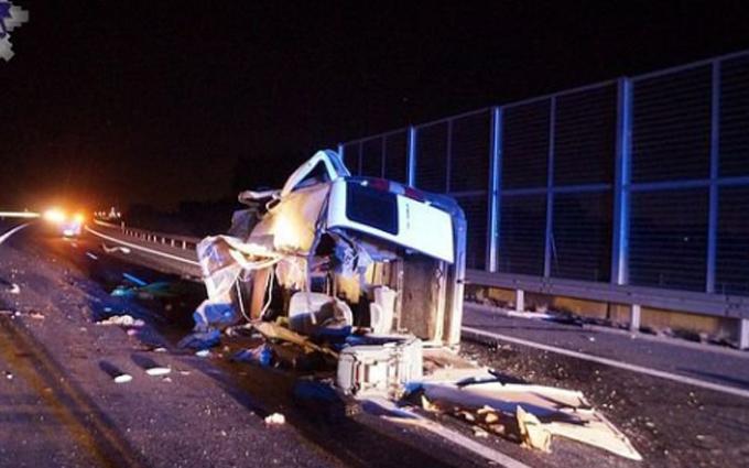 У Польщі розбилося авто з українськими номерами, є загиблі: опубліковані фото